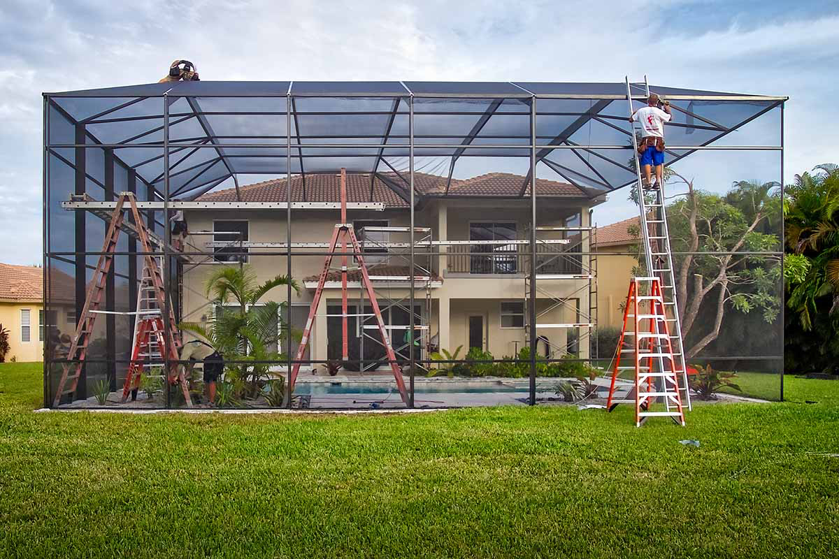 You are currently viewing How to Prepare your Pool Screen Enclosure for Hurricane Season