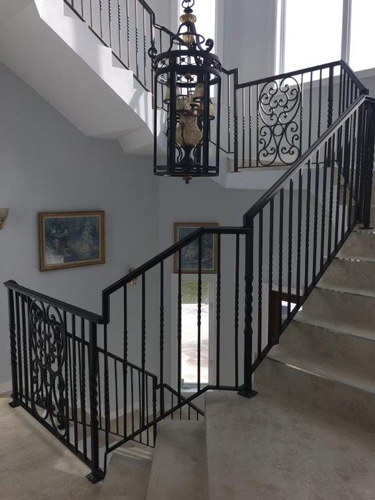 Factors to Consider When Choosing The Right Staircase Design for Your Home