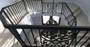 Why Choose a Modish Aluminum Staircase in Florida?