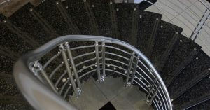Read more about the article Upgrade Your Ordinary Stairs into  Elegant Aluminum Staircases